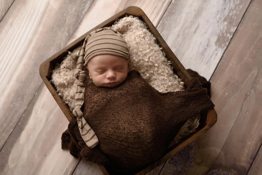 Newborn photo session, newborn photographer