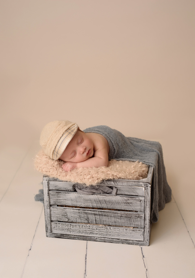 Newborn and Baby Photos